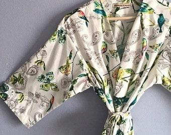 Kimono Robe. Kimono. Bridesmaids Robe. Dressing Gown. Modern Ivory Jubilee. Small thru Plus Size Kimono Robe.