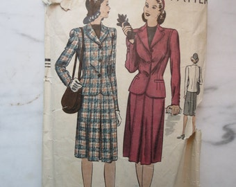 1940s Vintage WWII Women's Suit Sewing Pattern, Vogue 5035, Mystery Size