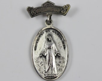 Vintage Virgin Mary Miraculous Medal Sterling Silver Novae Rupellae New Rochelle College Brooch Jewelry