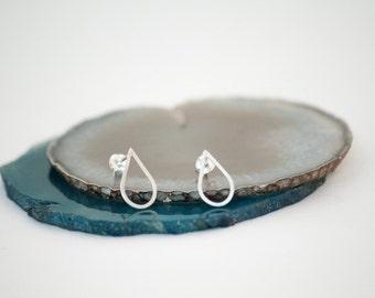 Teardrop silver stud earrings, sterling silver studs, minimalist modern stud earrings, dewdrop earrings, raindrop studs