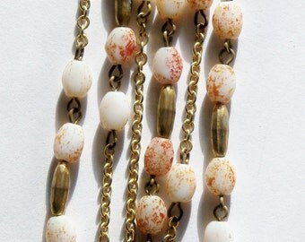 Necklace White Glass Beads Rust Red Speckles Gold Tone Beads 52 Inch Chain Flapper-style Cosplay Jewelry Jewellery Gift Guide Women