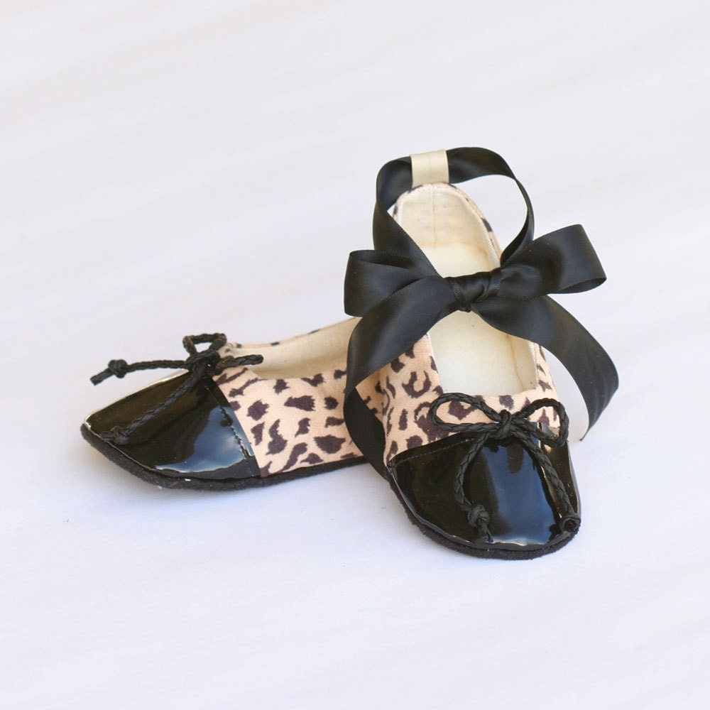 You searched for: cheetah baby shoes! Etsy is the home to thousands of handmade, vintage, and one-of-a-kind products and gifts related to your search. No matter what you're looking for or where you are in the world, our global marketplace of sellers can help you .