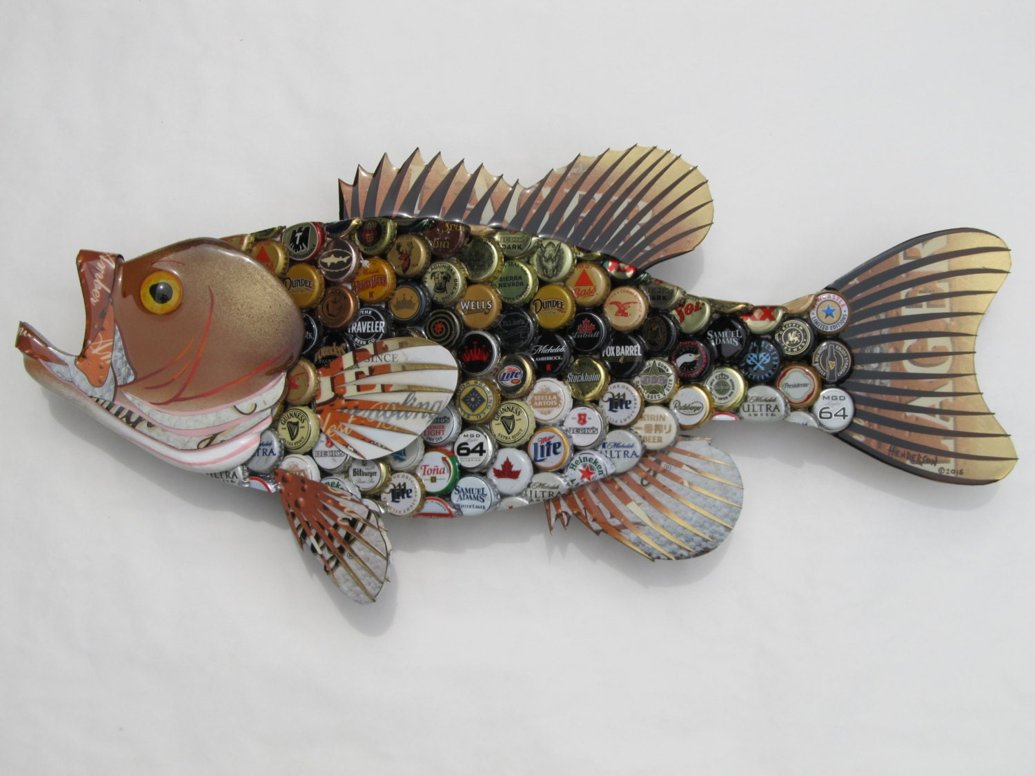Bottlecap fish metal wall art large mouth bass for Fish wall decor