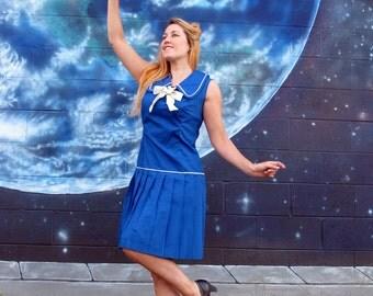 1950s sailor DRESS pleats peter pan collar Union Made schoolgirl // size M / L