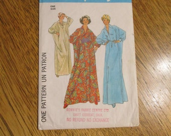 EASY Caftan / Goddess Muu Muu Dress - Lounge Wear / Belly Dance Cover Up - All Sizes (S - L) - VINTAGE Sewing Pattern Simplicity 7914