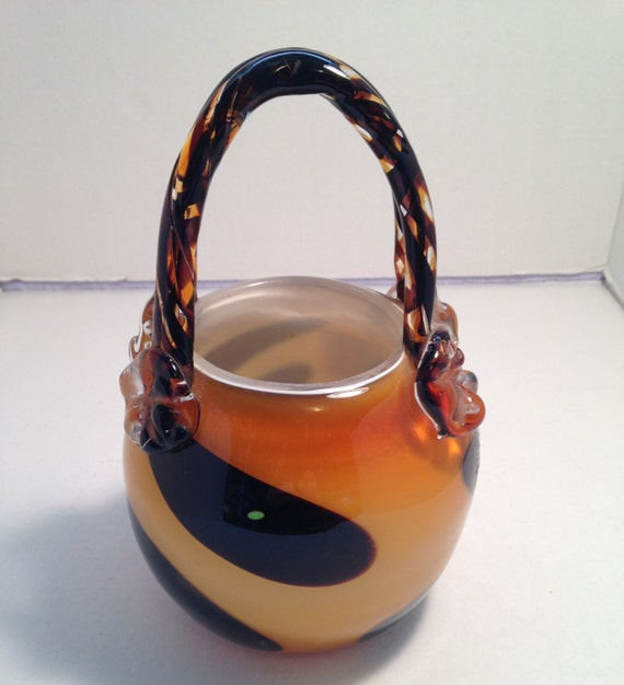 Design Society Glass Purse