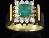 Vintage Emerald Diamonds 18k Yellow Gold Ring Mid Century Estate Jewelry