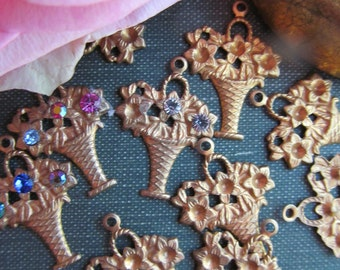 8 Vintage Brass Flower Basket Findings