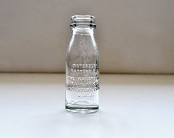 Vintage 1940s Waterbury Battery Oil Bottle Pennsylvania Bottle Company