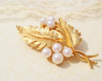 Vintage Pearl Brooch Leaf Pin, Vintage Leaf Brooch, Gold Leaf Pin, DFA Brooch, Vintage Brooch Leaf, Gold Leaf Brooch, Vintage Gold Leaf