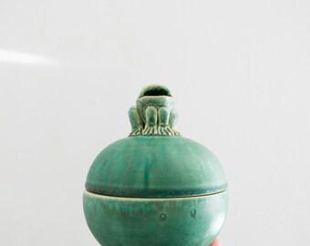 Vintage Studio Pottery Covered Frog Bowl // Vintage Fairy Tale Decor // Secret Garden // Frog Prince // Baby Nursery // Jewelry Box