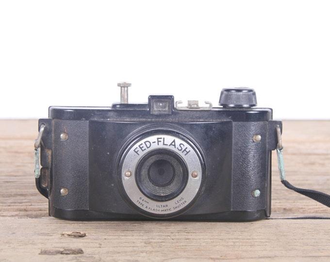 Vintage Camera / Fed-Flash / Old Camera / Antique Camera / Retro Camera / Antique Black Camera / Display Prop Decor