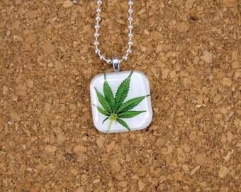 Marijuana Leaf Glass Neaclace