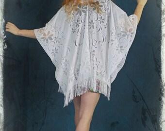 Stevie vtg sheer white lace cape shawl / fringed fine stylised floral print wrap / hippie festival beach