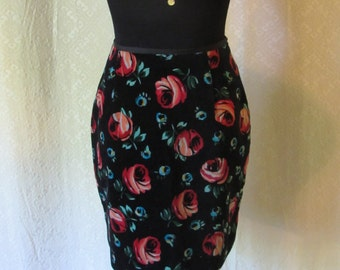 Vintage Floral Velvet Mini Skirt - 90s ESPRIT Velvet Skirt - Roses Mini Skirt - 90s Floral Skirt - 90s Preppy - Womens Small 4/6