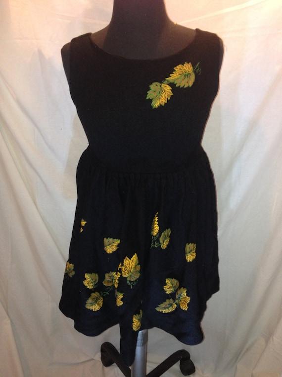 Vintage Black Sleeveless Dress with Flowers d3
