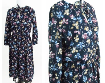 Vintage 1970s Dress - Navy Blue and Purple Ivy Floral Day Dress with matching Tie - Floral Boho Summer Dress - Size Small