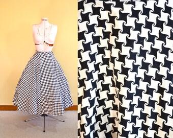 1950s Vintage Black and White Full Circle Skirt size XS waist 24