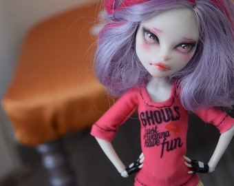 MH doll ~Tshirt 'Ghouls just wanna have fun'