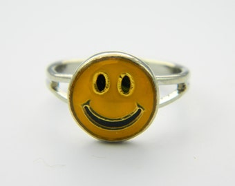 Smiley Face Ring - VR0016