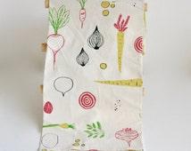 Tea Towel / Root Vegetables / Screen Printed Hand Illustrated / Vegan / Vegetables / Gardening Gift