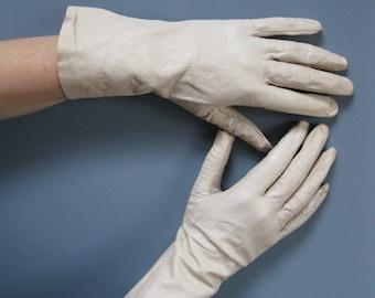 Vintage Cream Kid Leather Gloves Ladies Driving Gloves