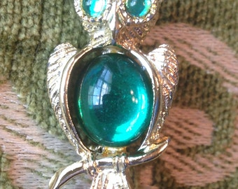 Vintage Jelly Belly OWL Pin Brooch ~ Green belly & Eyes ~ Goldtone Setting Scatter PIN