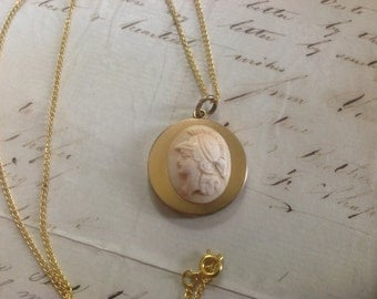 "PRICED To SELL Circa 1904 Wightman & Hough Yellow Gold Filled Round Carved Cameo Locket and Gold Tone Chain - 22"" - Etsy andersonhs"