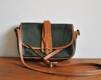Vintage Dooney & Bourke Green Pebbled Leather British Tan Trim Cross Body All Weather Leather Purse 1990s