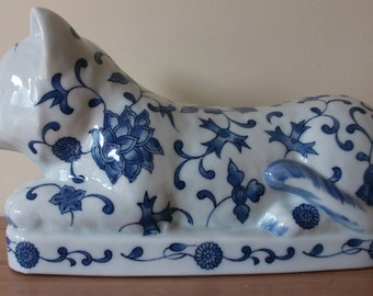 Vintage 1980s Japanese Porcelain 'Pillow' - Blue & White Cat