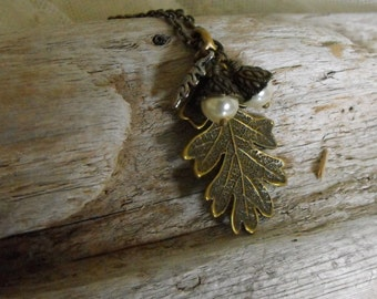 Oak Leaf Acorns Necklace, Acorn Jewelry, Fall Jewelry, Autumn, Antique Brass, Nature Lovers, Woodland, Rustic,