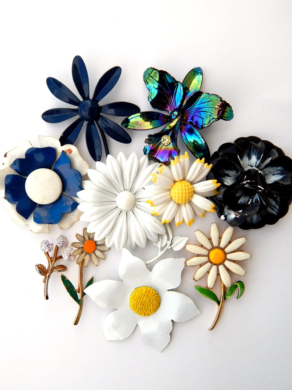 Vintage Flower Pins 89