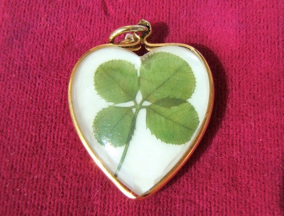 Real Four Leaf Clover Pendant encased 3d bubble good luck charm  vintage jewelry Irish green e61
