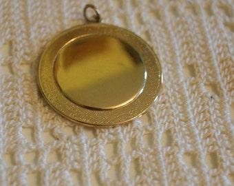 Vintage Round Gold Pendant