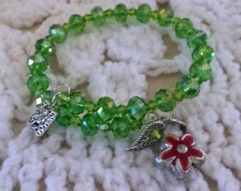 Beautiful Green Beaded Memory Wire Bracelet (I 434)