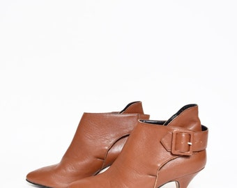Vintage 90's Brown Leather Shoes with Buckle