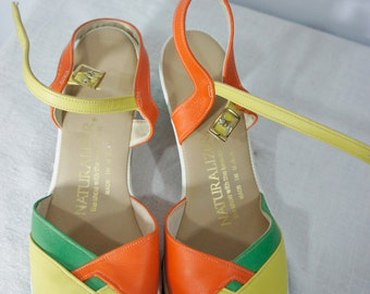 vintage Natulralizer USA granny sandals size 7 1/2 orange yellow green  open toe sandals like new vintage foot wear