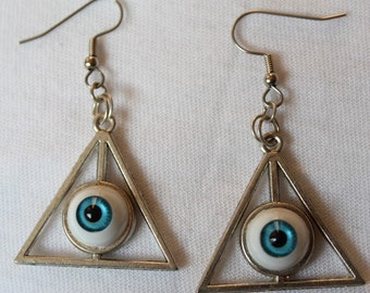 Triangle eye eyeball 'TRIVISION' bright blue earrings