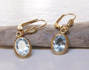 Victorian 8 karat and blue topaz earrings / Victorian earrings / 333 yellow gold / Victorian gold earrings / topaz earrings / topaz dangles