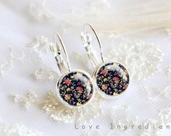 Floral dangle earrings, Vintage floral silver tiny drop earring, friendship earrings, Post earrings, gift for her girlfriend, rustic DE007