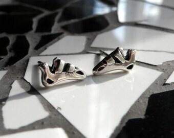 Earrings in silver cat feet