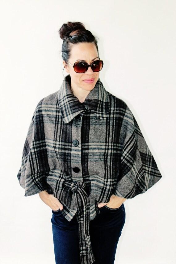 manteau cape carreaut boho chic v tement femme vintage. Black Bedroom Furniture Sets. Home Design Ideas