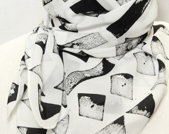 Silk crepe scarf hand painted, black and white graphic pattern, 90x90 cm (35'' x35'')