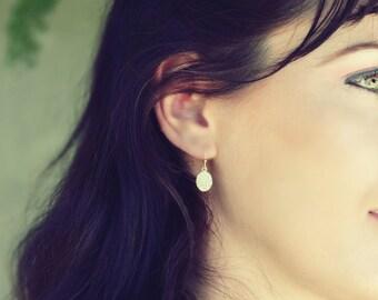gold disc earrings, oval gold dangle earring, delicate earrings, hammered earrings, disk earrings, tiny gold earrings