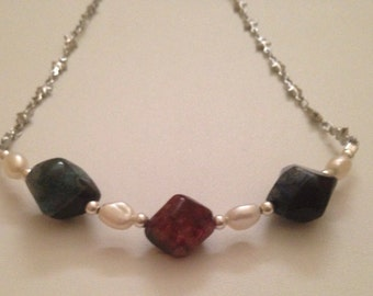 Star Necklace with Agate and Pearls