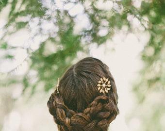 Bridesmaid Hair Pins Gold Bridesmaid Bobby Pins Bridesmaid Hair Clips Leaf Pearl Hair Bobby Pins Rustic Woodland Wedding Bridal Accessories