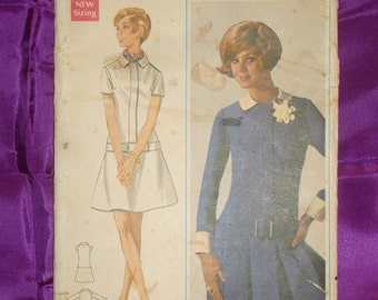 1960s 60s Vintage Mod Dress Low Waist Front Zip w Flared or Pleated Skirt UNCUT Butterick Pattern 4762 Bust 32.5 Inches 83 Metric