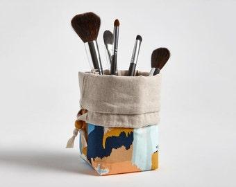 Travel Makeup Brush Holder, Makeup bag Makeup Brush Organizer Cosmetic Organizer in Painted Strokes, Gifts under 30