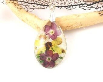 Resin necklace with real flowers - Botanical Resin Pendant, Pressed flowers Necklace, Flower resin jewelry, Nature necklace, Mixed flowers