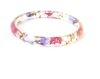 Real Flower Bangle Bracelet, Skinny Stacking Bangle, Resin Bangle Bracelet, Chunky bangle, Plant Bracelet, Botanical jewelry, Size L